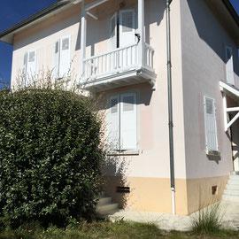 Réfection de peinture sur porche / balcon et volets en laque blanc satin