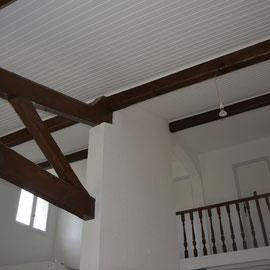 Plafond lambris blanc