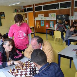Jean-Marc explique le jeu d'échecs