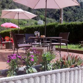 Terraza restaurante El Sabil Senda del Oso.