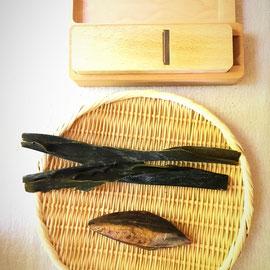 1本釣りの本枯れ節と真昆布、鰹節削り