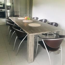 Patiner une table en chêne patine huile noire La Métamorphose du Temps