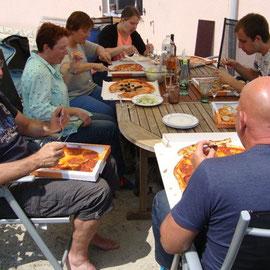 ... Pizzaessen ...