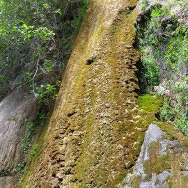 Milonas Wasserfall in Kreta in neuem Erscheinungsbild - ohne Wasser - Mai 2016