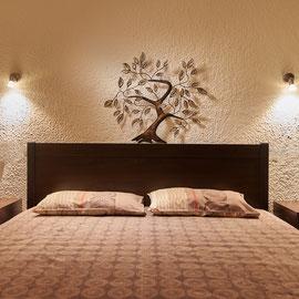 Schlafzimmer mit Doppelbett ( Erwachsene )