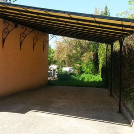 Carport en fer forg decofer alu for Pergola pour voiture