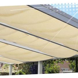 Les voiles d'ombrage de Verasol sont parfaits pour se protéger de la chaleur et de la lumière sous la pergola. De plus, ils embellissent l'ensemble.
