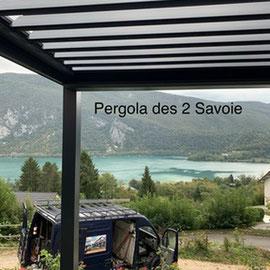 Au Pays du Lac d'Aiguebelette, redessinez votre extérieur, configurez votre pergola bioclimatique à lames orientables sur mesure.