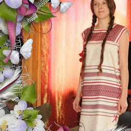Современное платье туничка в славянском стиле