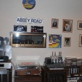 有名なABBEY ROAD歩いてみたいですね