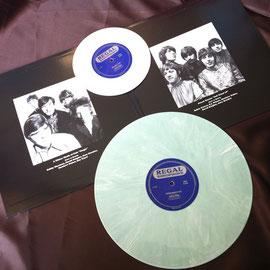 「青い影」が収録された7インチ白盤のステレオバージョンとパールマーブル調の12インチモノ盤。