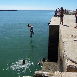 Badevergnügen an der Algarve