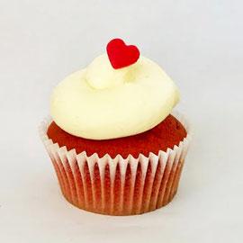 Red Velvet - Heller Teig mit einem Hauch Kakao und Vanillecreme