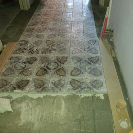colocacion suelo de mosaico