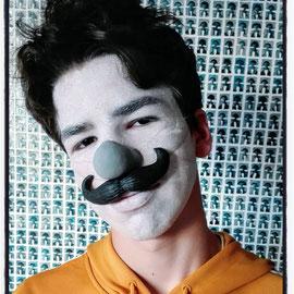 nez et moustache