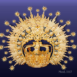 Corona Modelo 107,repujada, baño de oro o plata.