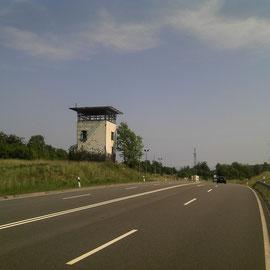 Wachturm an der ehemaligen Grenze zur DDR.