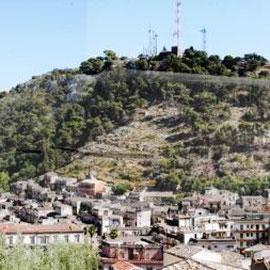 Completamento consolidamento costone roccioso collina Monserrato in Modica - Foto dell'area d'intervento