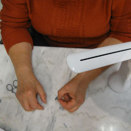 La super lampe pour voir les moindre détails de vos créations de couture ou tricot - Une idée cadeau pour la Fête des Mères de chez Lulu Coquelicot