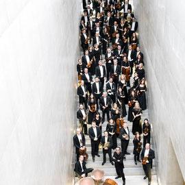 01_Mozarteumorchester Salzburg_Gesamtbesetzung mit Chefdirigent Riccardo Minasi_©Nancy Horowitz