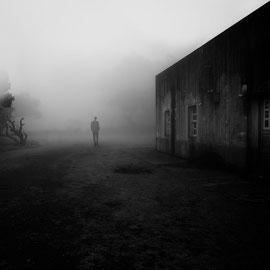 Man in Fog / Madère photo  Noir et Blanc