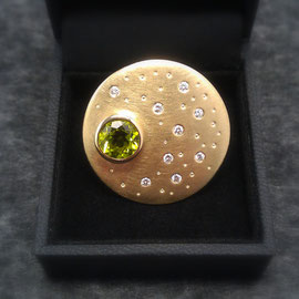 585er Gelbgold mit Peridot und Brillanten