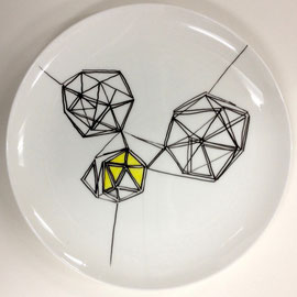 >>o. T.<<, Painiting on Porcelain, 26,5 cm diameter, 2015