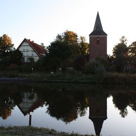 Dorfkirche - Spiegelung