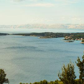 Blick vom Berg Hum auf die Insel