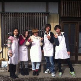 不登校支援は2010年4月に大学生たちと一緒に始めました。2013年11月撮影。