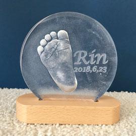 赤ちゃんの足型
