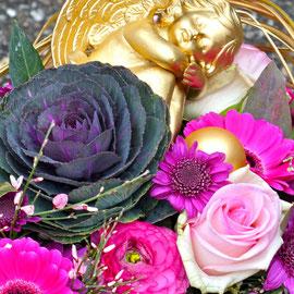 Trauerkranz asymmetrisch mit Goldengel