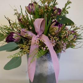 Tulpenstrauss in lila