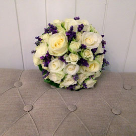 Brautstrauss weiss/lila Lavendel