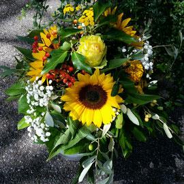 Blumenstrauss mit Sonnenblumen