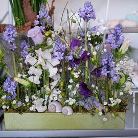 Gärtligesteck in blau/lila