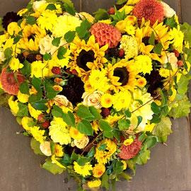 Herz mit Sonnenblumen