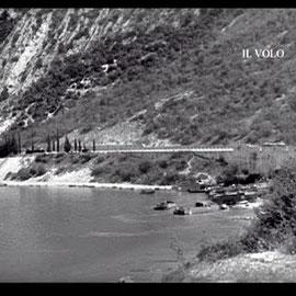 Mezzi da sbarco americani a Tempesta (fotogramma dalla bobina originale 16mm dei Combat Camera archivio IL VOLO/Quattrina)