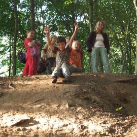 """unsere Wald-Rutschbahn - Startrampe - die """"Hexen-Mädels"""" zu Besuch"""