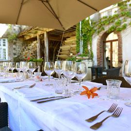 Les Moulins Banaux, déjeuner en terrasse