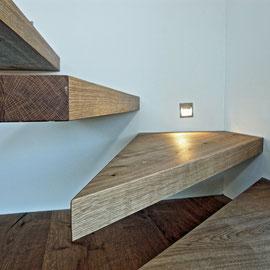 Fendt- Holzgestaltung Treppenstufen