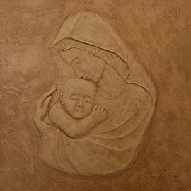 capoletto a bassorilievo in cartapesta
