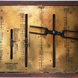 Nomograma Sistema BLOCH (Georg Bloch,  Oberndorf, Alemania), s/n 6184, mercado francés, año 1919, 38x26 cm  (34.5x23 cm sin la madera)