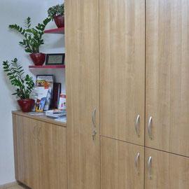 Unsichtbare Küche im Besprechungszimmer
