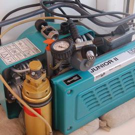 Auf BONAIRE haben wir diesen Tauchkompressor erstanden. Made in Germany !