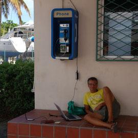 """Telefonieren mit """"Zuhause"""" über SKYPE und Internet"""