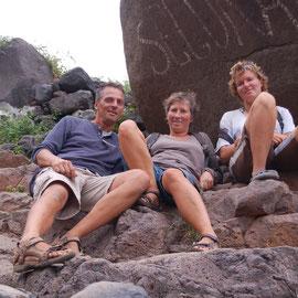 """Zusammen mit Kirsten aus Südafrika erkunden wir die Insel. Nach acht Stunden sind wir """"platt"""" und die Füße qualmen."""