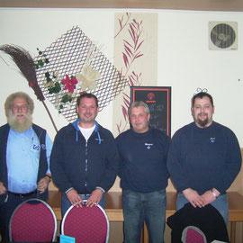 Der aktuelle Vorstand v. l. n. r. Hartwig Hülsebus (Kasse), Manfred v. Essen (1. Vorsitz.), Manfred Potthast (2. Vorsitzender), Gerd Mansholt
