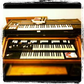 Hammond M100 - Clavinet Pianet Duo