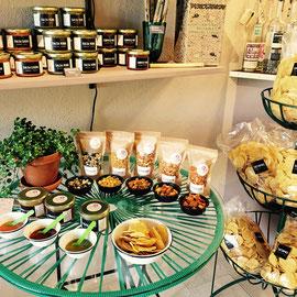 hausgemachte-salsas-mais-chips-mexikanische-lebensmittel